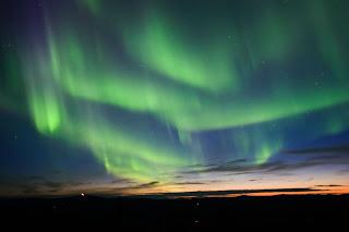 http://3.bp.blogspot.com/_YmxGWxKJkxQ/S9Fx46k0VxI/AAAAAAAAABc/gAhECkdlNu4/s1600/aurora-borealis.jpg