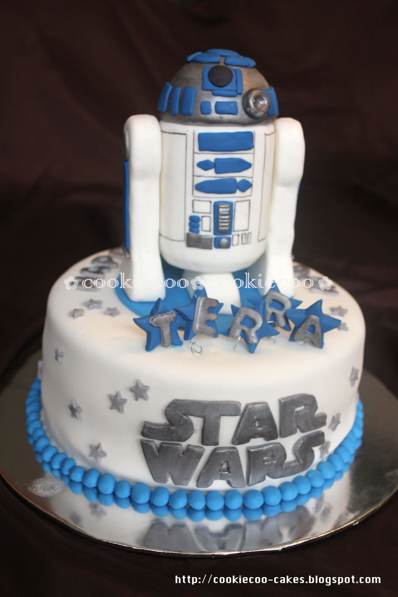 cookiecoo: Star Wars cake R2D2 for Terra