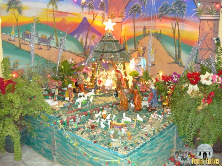 la elaboración de los nacimientos navideños son parte fundamental de ...
