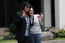 Isabella Fawzi & Ikang Fawzi ayahnya sehari sebelum Wisuda MBA dari FEB-UGM, Jan 2011 di Yogyakarta