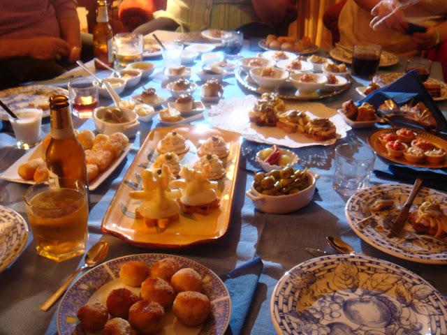 Cena degustaci n de pintxos las recetas de marichu y las mias - Cena con amigos en casa ...