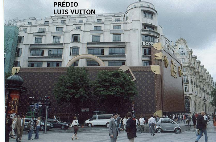 Loja Louis Vuitton em París...Única.