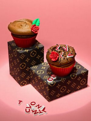 Cupcakes ____ Louis Vuitton