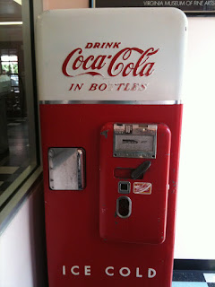 Dog-n-Burger Coke Machine