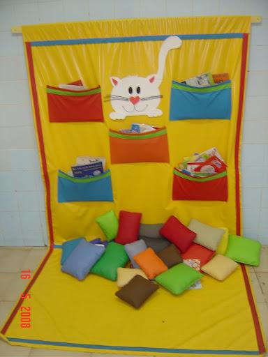 decoracao sala de leitura na escola:Brinquedoteca. Invente a sua: móvel, organizada em caixa ou no