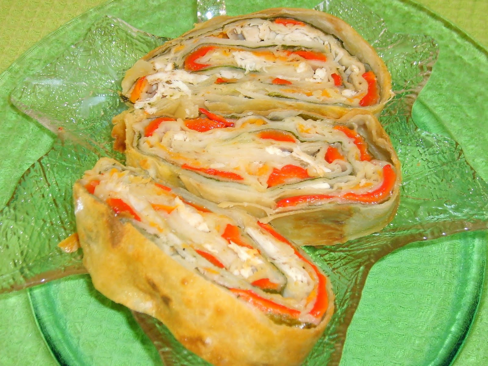 Tavuklu Sebzeli Börek