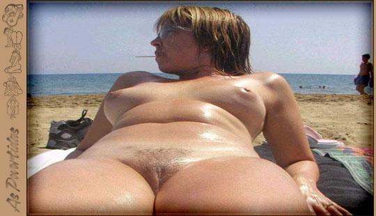 Gostosas Amadoras Nuas na Praia