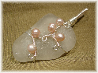 wire wrapped sea glass pendant with freshwater pearls