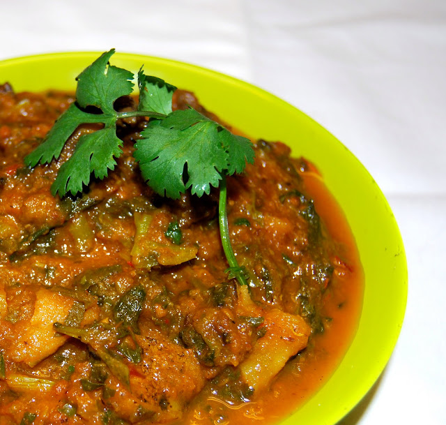 Spicy Mushroom Curry like that served at Indian railway restaurants