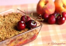 [priyaakshay-peach+cherry+crumble]