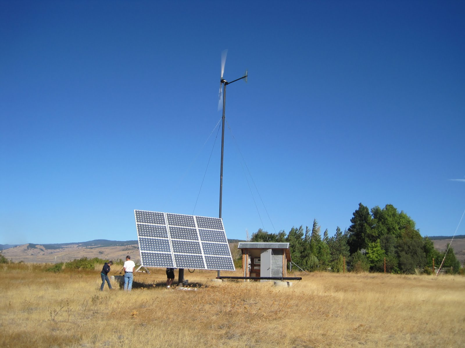 combined wind and solar system - photo #5
