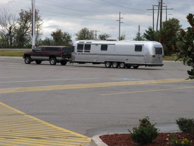 [airstream+on+the+road]