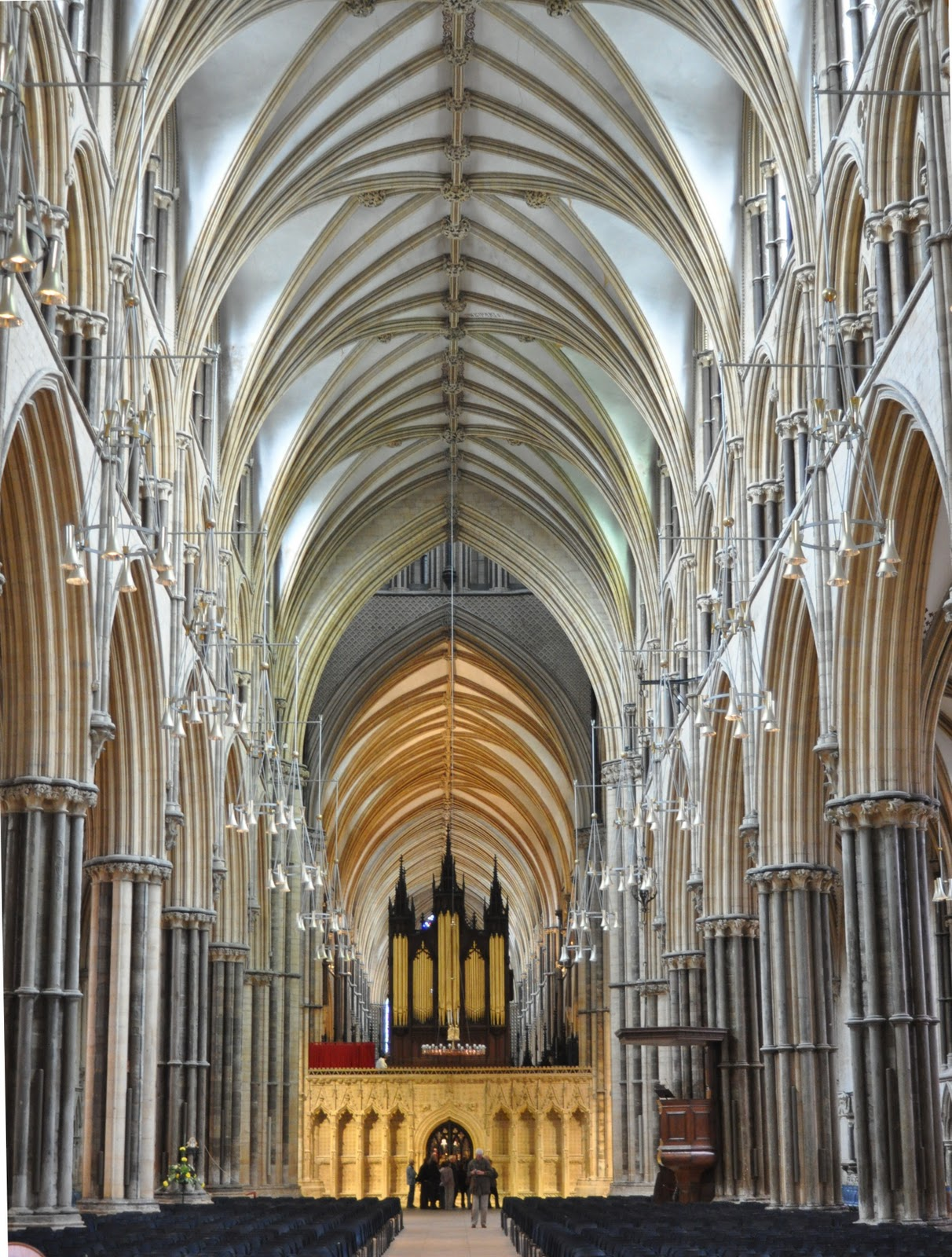 Pointed Arches Were Used To Support The Ceiling Above Them It Could Hold Much More Weight Than Simple Pillars