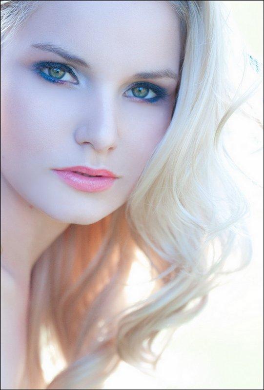 Funz Bite: Beautiful and Stylish English Model Girls ...