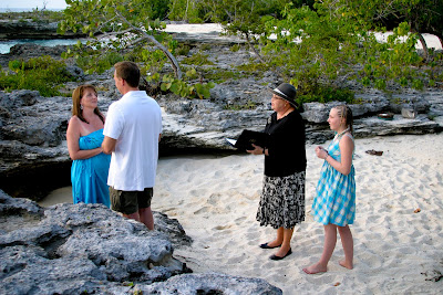 It's Simple to Arrange a Cayman Wedding Vow Renewal - image 1
