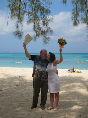 Missouri Couple Enjoy Their Cayman Beach Wedding - image 4