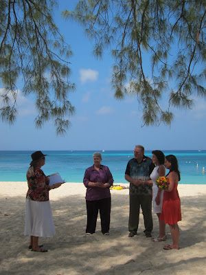 Missouri Couple Enjoy Their Cayman Beach Wedding - image 1