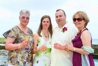 Simple, elegant, all-inclusive Cayman Island Cruise Wedding - image 4