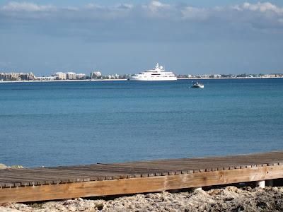 Cayman Island Pier Wedding for Illinois Pair -image 2