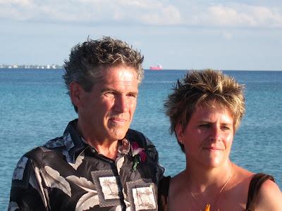 Cayman Island Pier Wedding for Illinois Pair -image 1