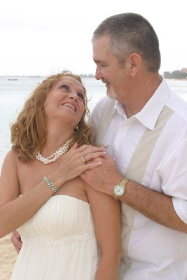 Texans Celebrate Silver Wedding Anniversary in Grand Cayman - image 6