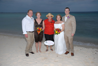 Scottsdale Couple Make the Most of a Grand Cayman Wedding! - image 7