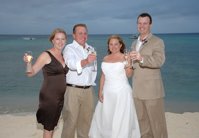 Scottsdale Couple Make the Most of a Grand Cayman Wedding! - image 4