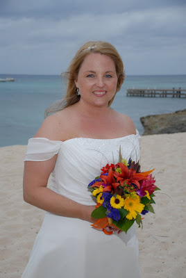 Scottsdale Couple Make the Most of a Grand Cayman Wedding! - image 1