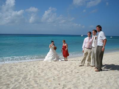 Cayman Cruise Wedding for British Couple - image 3