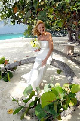 Cayman Islands Beach Wedding for US Marine - image 4
