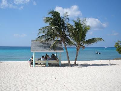 A Simple Cayman Cruise Wedding for Pennsylvania Couple - image 1