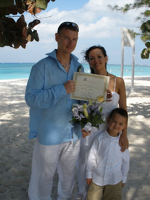 From the North Pole to Sunny Cayman- Vow renewal for US soldiers - image 1