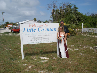Couple Elope to Little Cayman Wedding - image 6