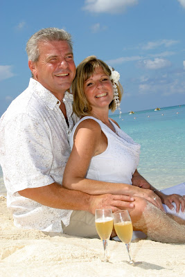 Cayman Islands Beach Wedding was Enchanting for Canadian Cruisers - image 7
