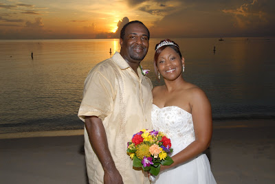 Cayman Wedding at Sunset for Memphis Visitors - image 6