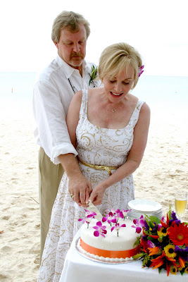 Surrounded by the ones they love for their Cayman Beach Wedding - image 3