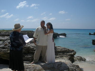 Simple Cayman Beach Wedding for Seattle Cruisers - image 1