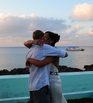 Grand Cayman Wedding for this New Zealand Couple - image 5
