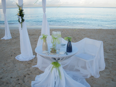 Sunrise Christmas Eve Wedding in Grand Cayman - image 2