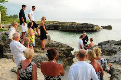 Grand Cayman Beach Wedding Dazzles for Missouri Newly-Weds - image 1