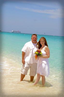 Pensacola Wedding Pair Choose Cayman's Turquoise Water - image 4