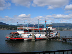 STERNWHEELER - Cascade Locks Oregon