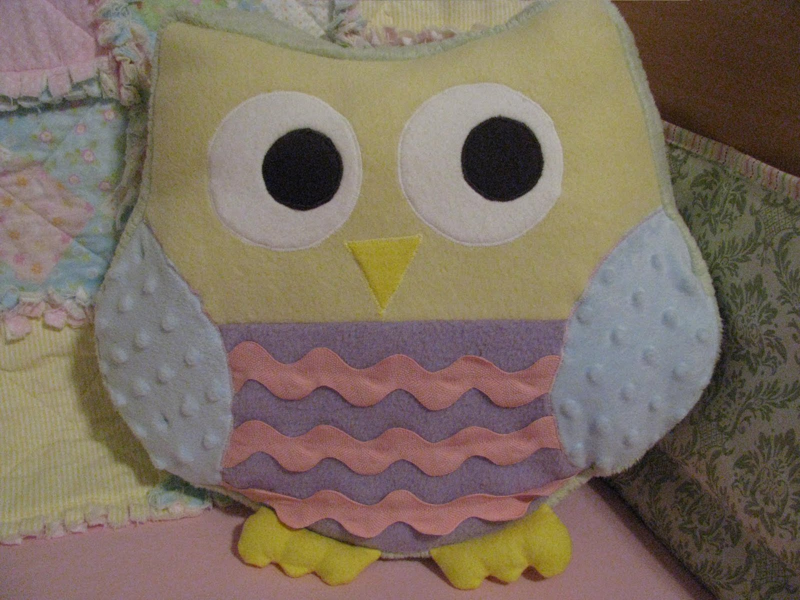Cute Pillow Crafts : Chambers Girls Crafts: Owl Pillow