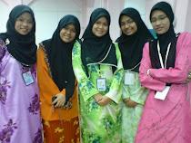 Gambar bersama rakan-rakan