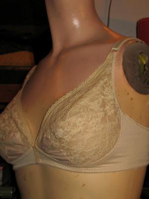 vintage nude lace bow-bra