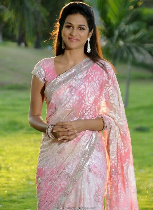 shraddha das saree latest photos