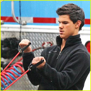 twilight: January 2010 Taylor Lautner Diet