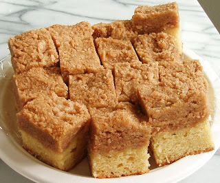 The Pastry Chef's Baking: Classic Crumb Cake ala Martha Stewart