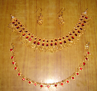 red double stone neckset and earrings