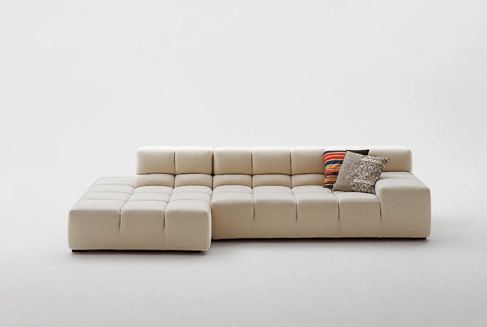 The book tufty time sofa by patricia urquiola b b italia for Design zetel
